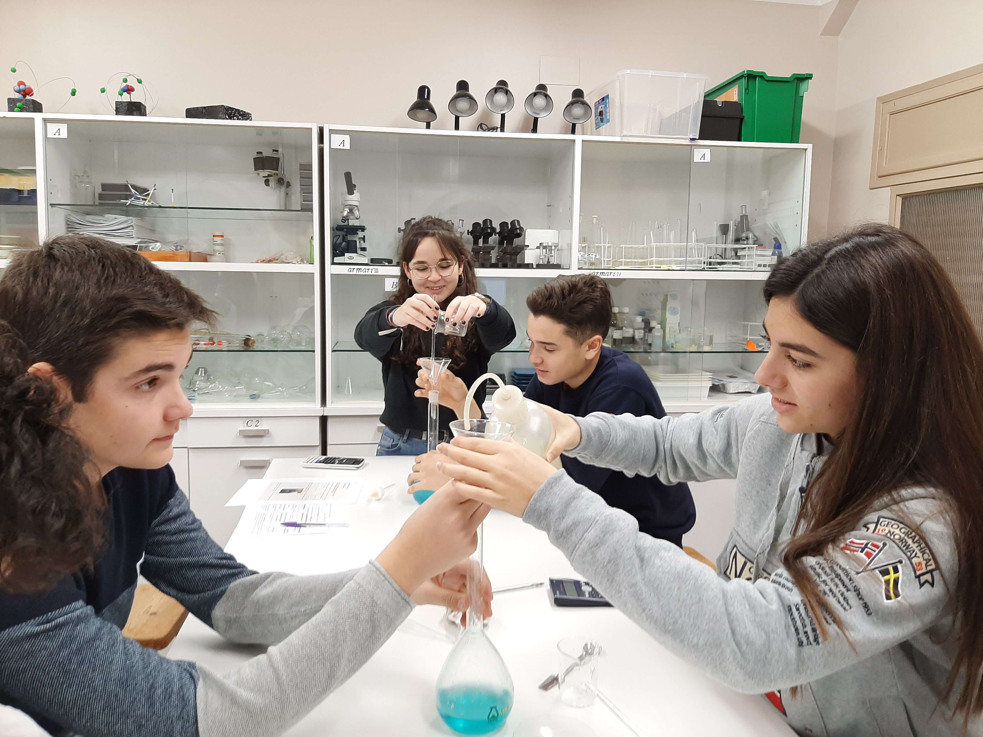 Dissolucions al laboratori - 3er ESO - 12