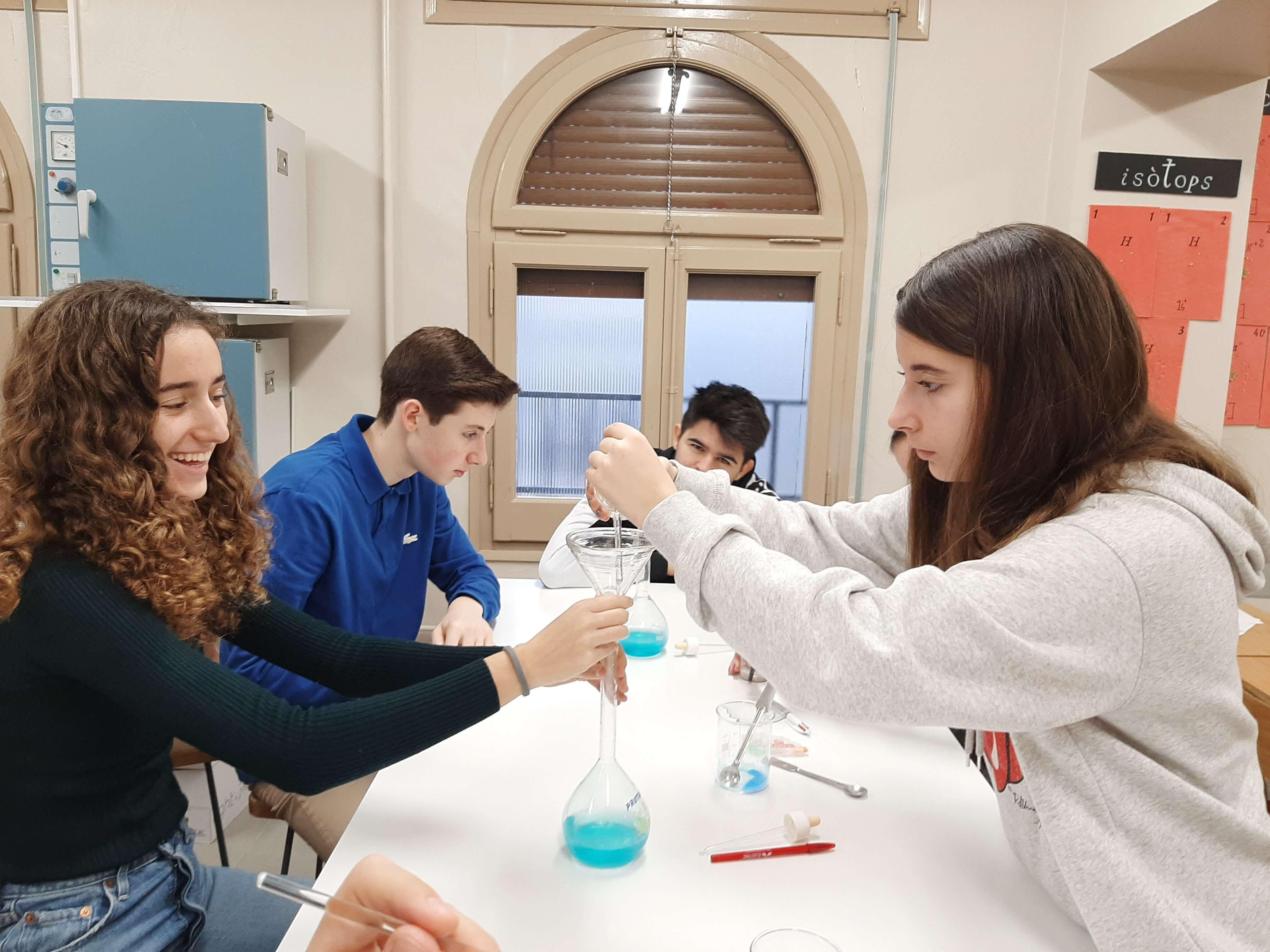 Dissolucions al laboratori - 3er ESO - 16