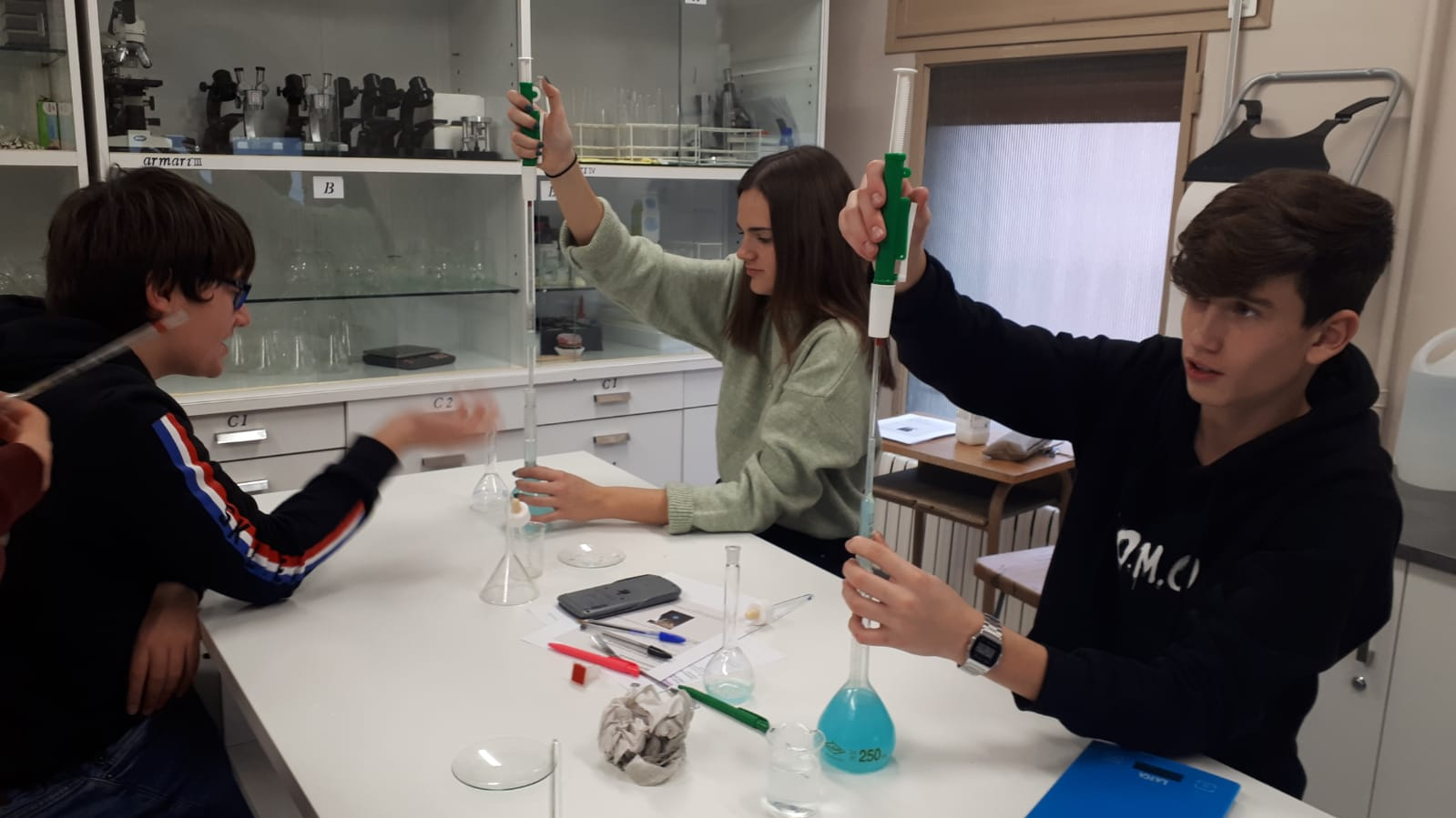 Dissolucions al laboratori - 3er ESO - 11