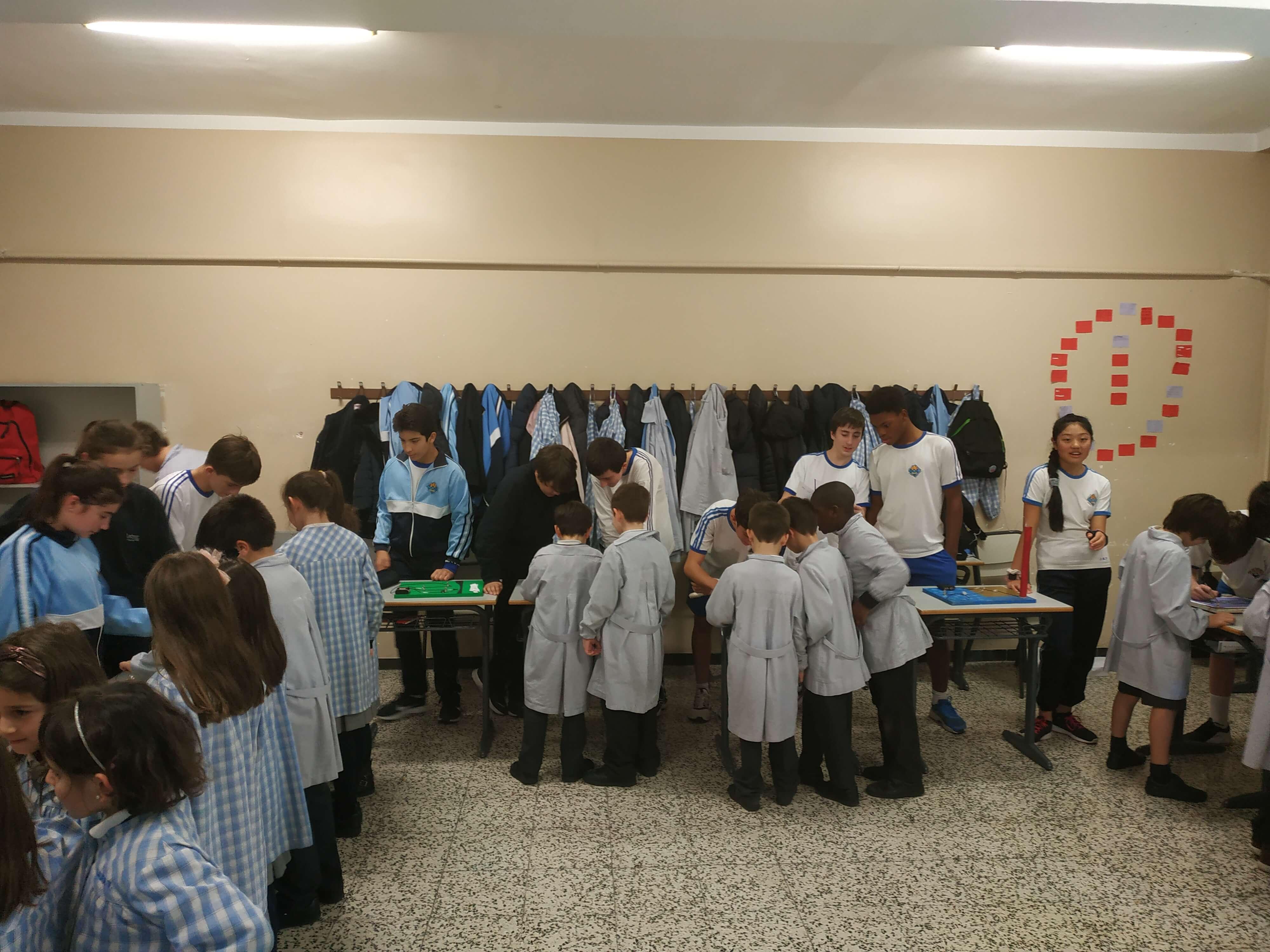 Jocs Elèctrics - 2n ESO i 2n EP - 61