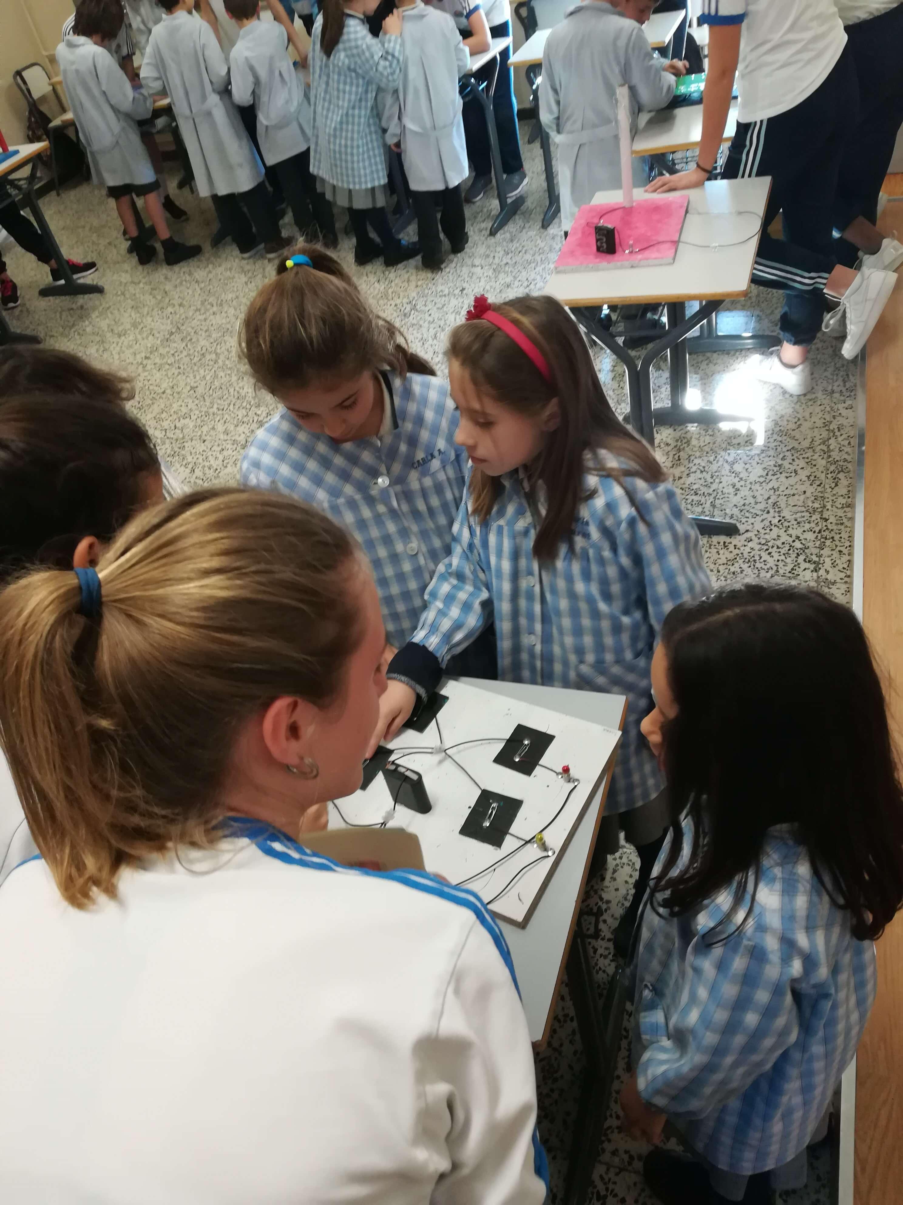 Jocs Elèctrics - 2n ESO i 2n EP - 32