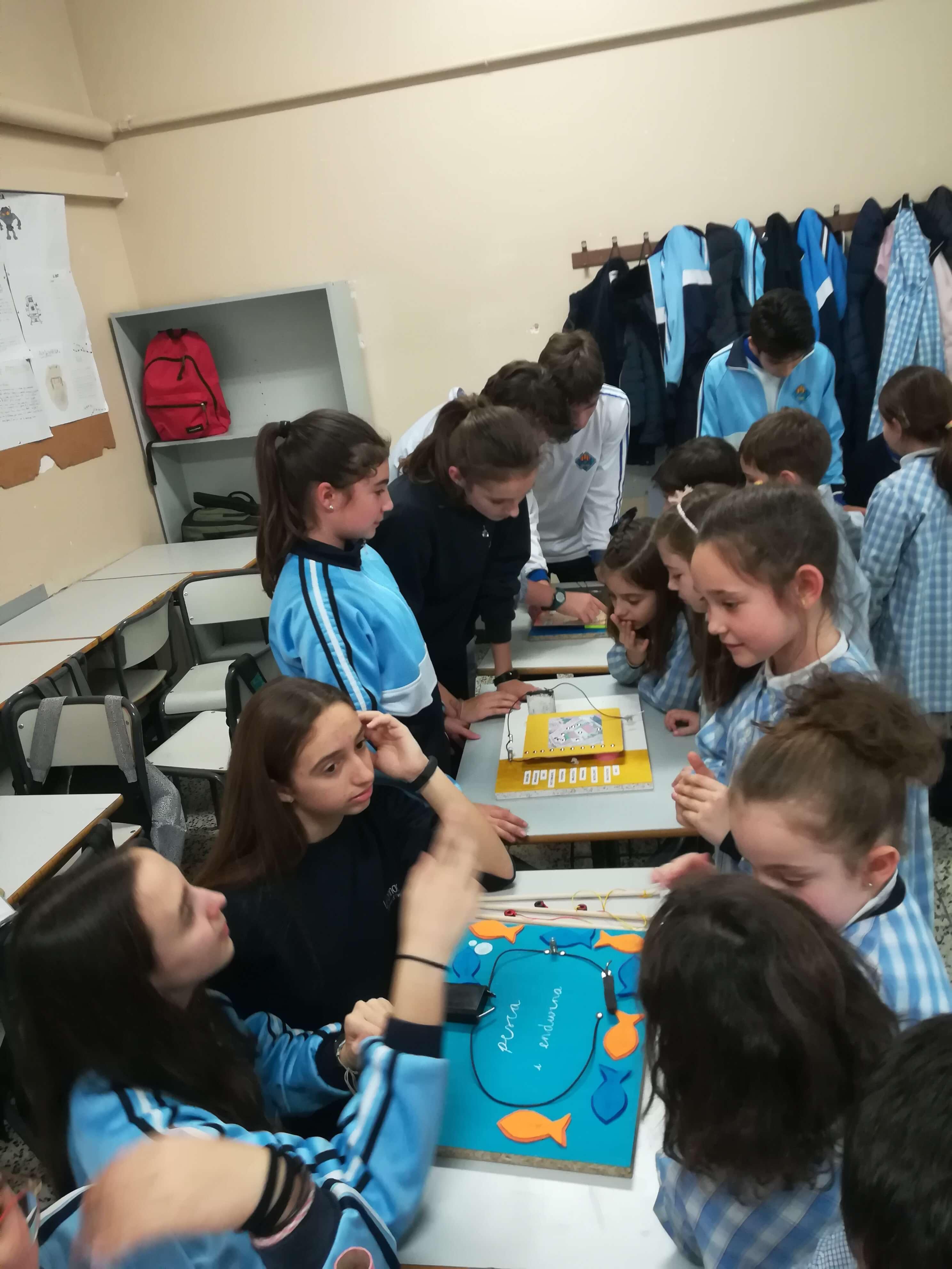 Jocs Elèctrics - 2n ESO i 2n EP - 33