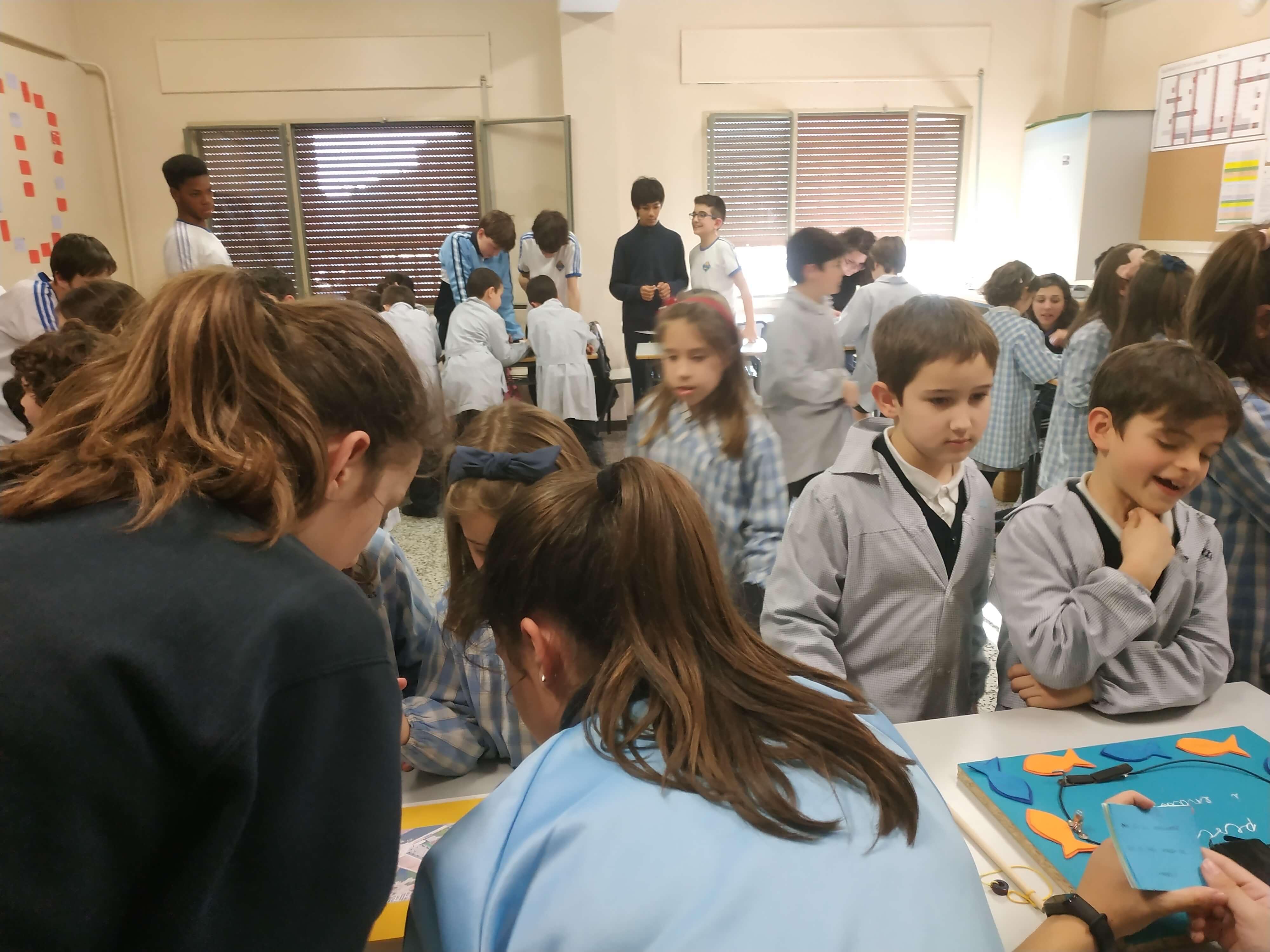 Jocs Elèctrics - 2n ESO i 2n EP - 16