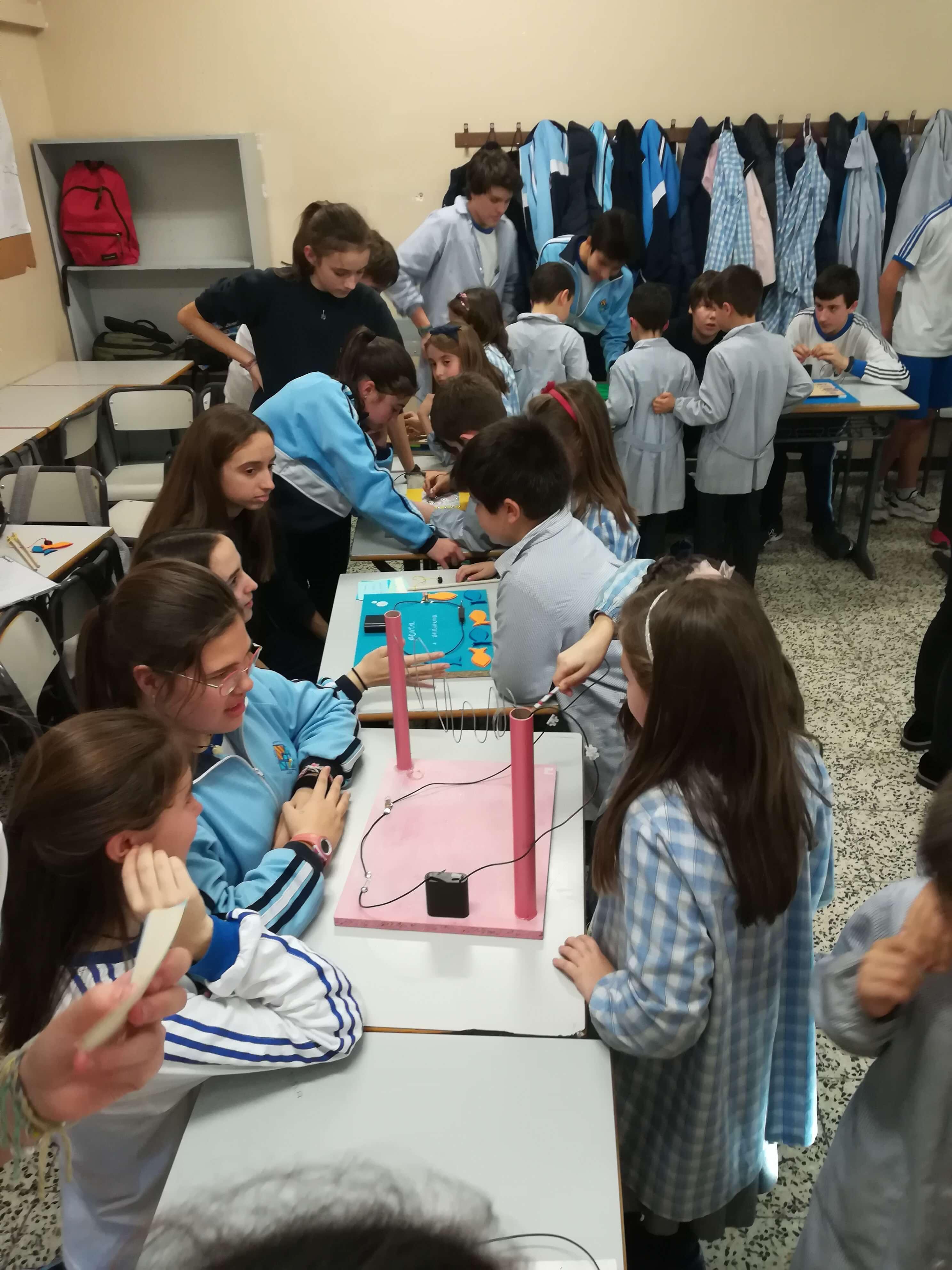 Jocs Elèctrics - 2n ESO i 2n EP - 25