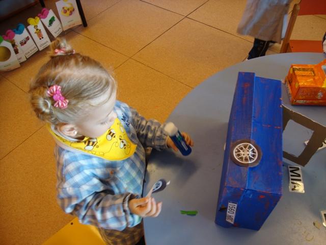Fem una joguina reciclada - P2 - 35