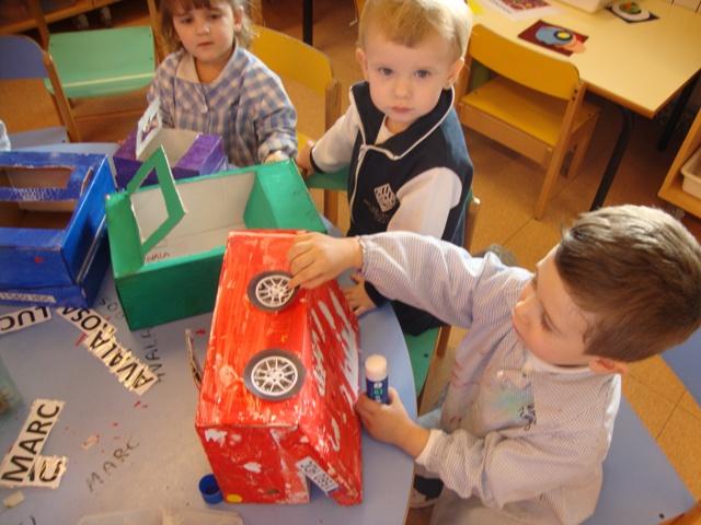 Fem una joguina reciclada - P2 - 44