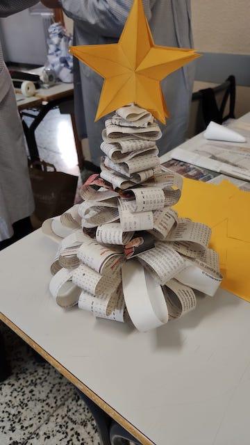 Arbres de Nadal amb material reciclat - 2n ESO. - 3