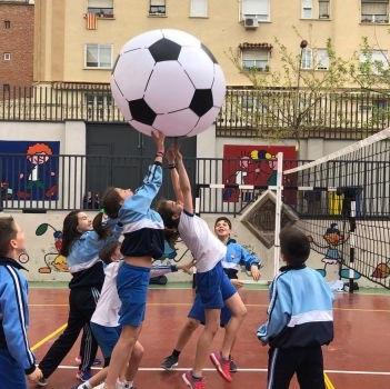 Lestonnac celebra el dia mundial de l'Activitat Física.